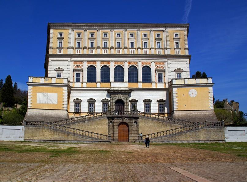 Palazzo Farnese Di Caprarola Mytuscia