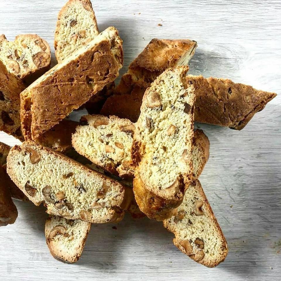 Ricetta Tozzetti - Un dolce tipico con nocciole