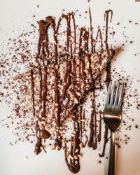 Ricetta Torta con crema e granella di nocciole - Un dolce della Tuscia