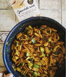 Ricetta Gnocchetti di Ceci - Pasta con Zucchine e Curry