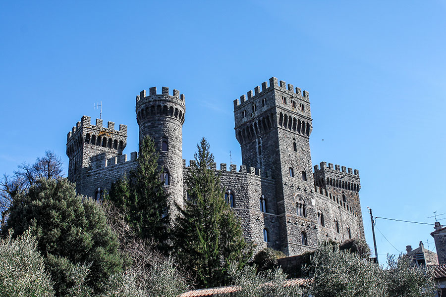 Il castello incantato di Torre Alfina e il bosco di Biancaneve