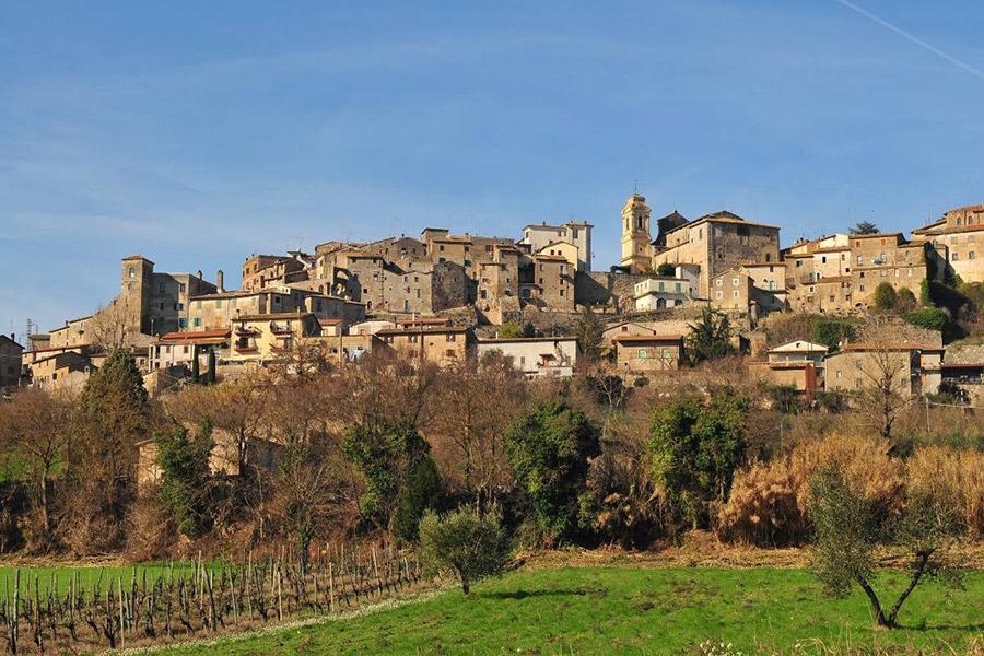 Visitare Castiglione in Teverina, il borgo sulla Valle del Tevere