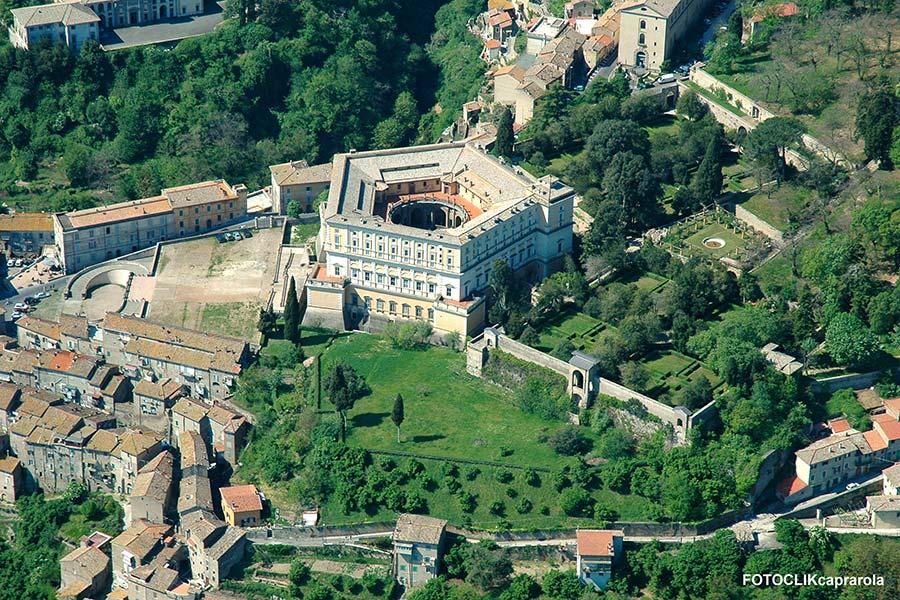 Palazzo Farnese: un'opera maestosa nel cuore della Tuscia