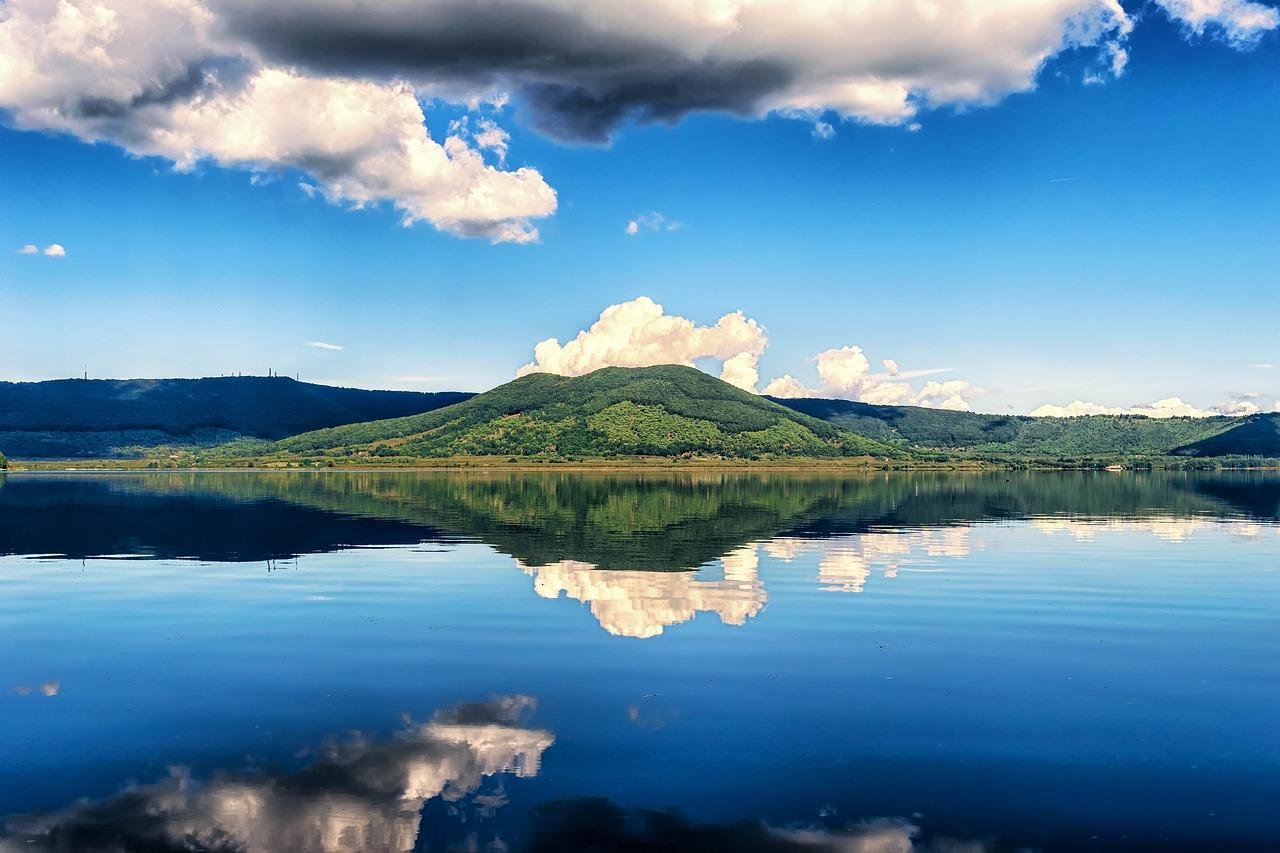 Estate nella tuscia: Dove mangiare e dormire al Lago di Vico